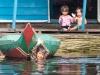 Kinder im Fischerdorf